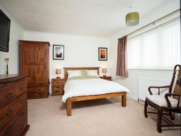 Housefortyone Bed and Breakfast