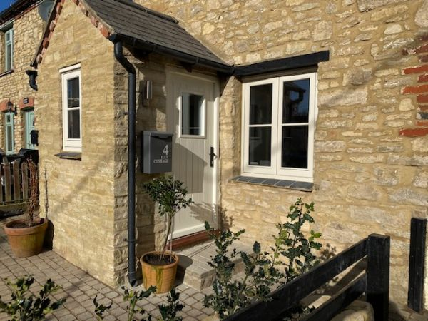 Ilex Cottage two bed character cottage,  North Bucks