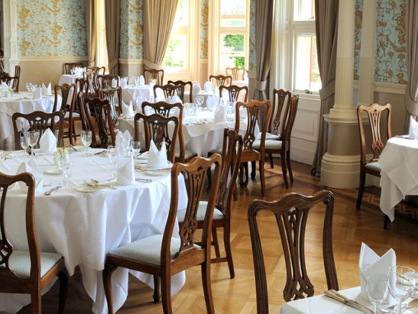Dining at Pendley Manor